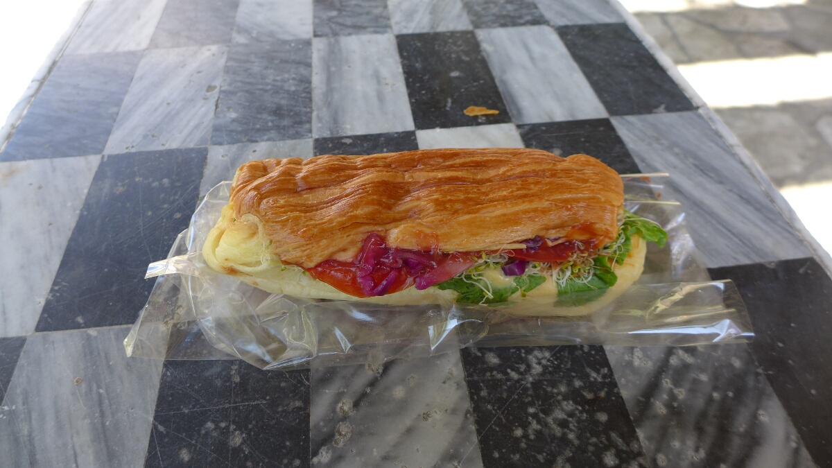 08-taroko-gorge-lunch_time_sandwich