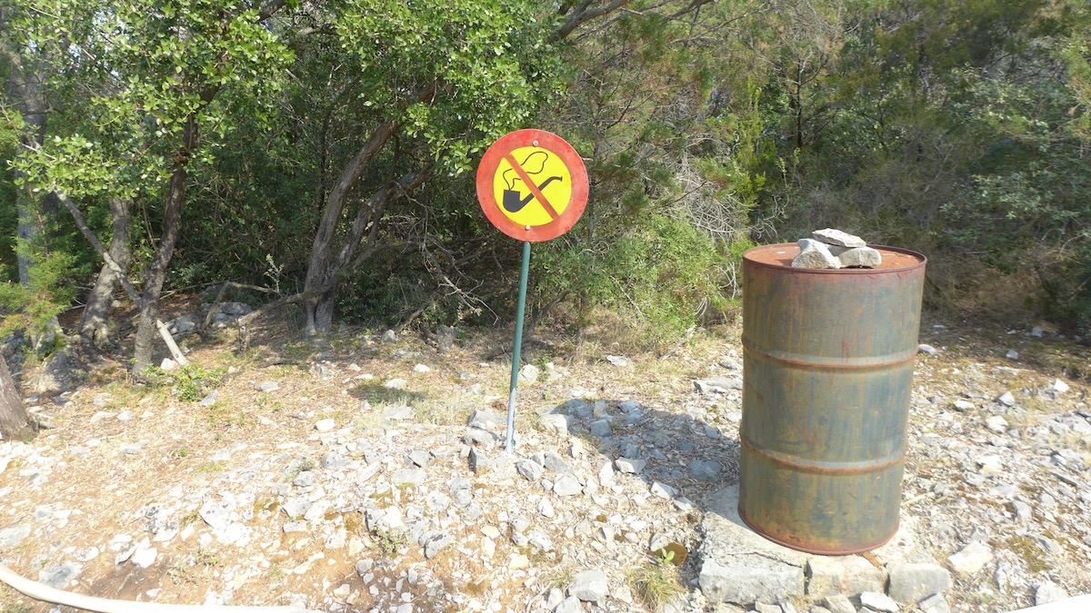 04-lokum-no-smoking-sign