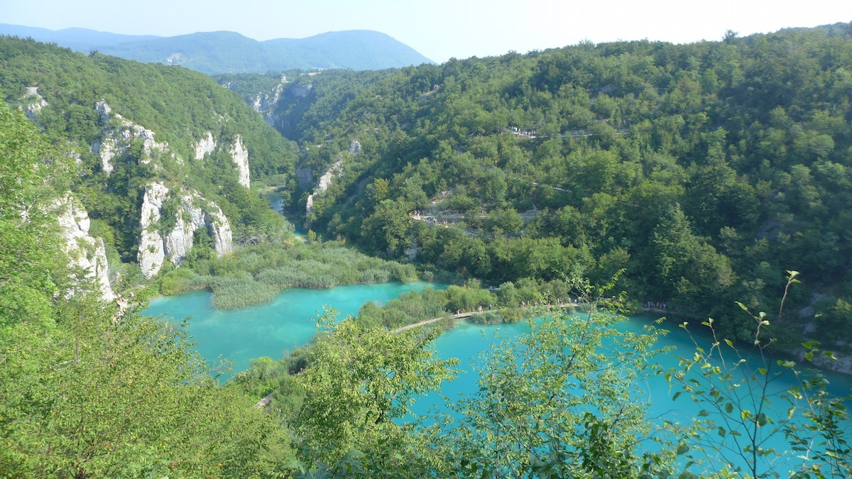 18-plitvice-blue-lakes-from-above
