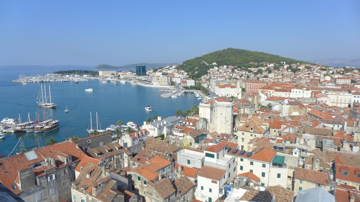 04-split-view-cathedral-tower