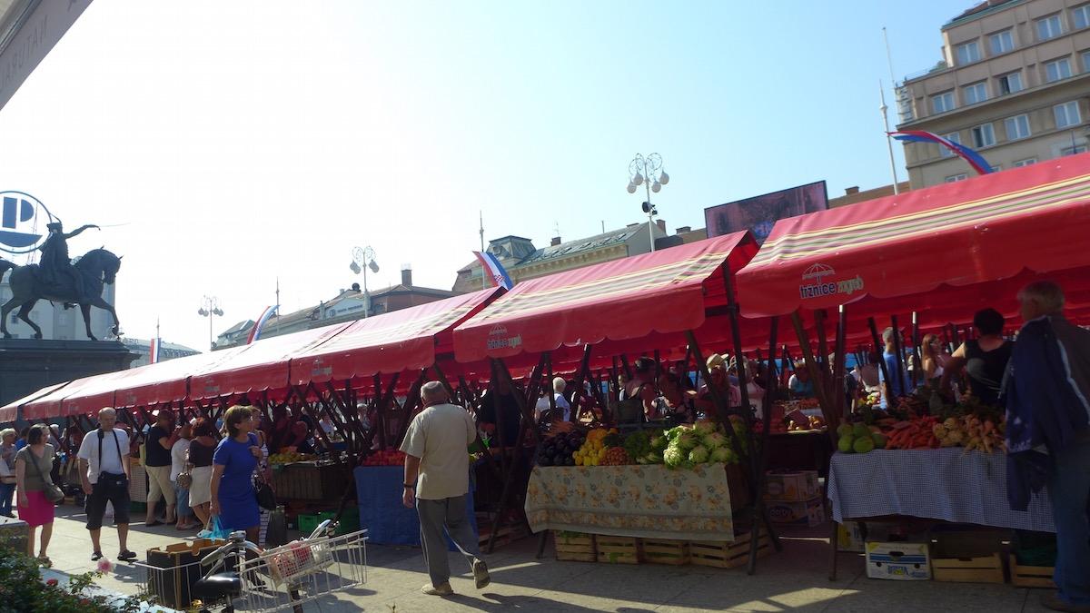 01-zagreb-market