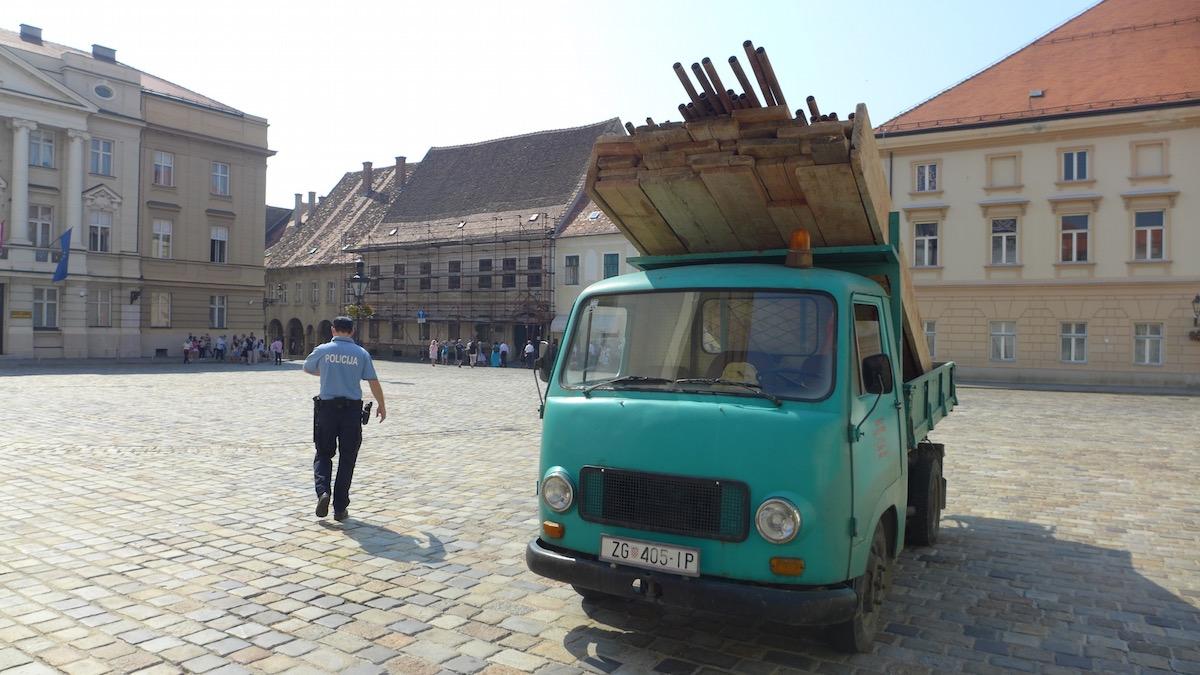 06-zagreb-old-car