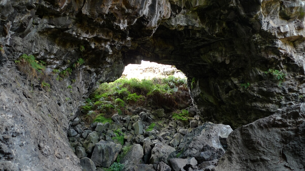 09-byaduk-caves-bridge-in-second-tube-jpg