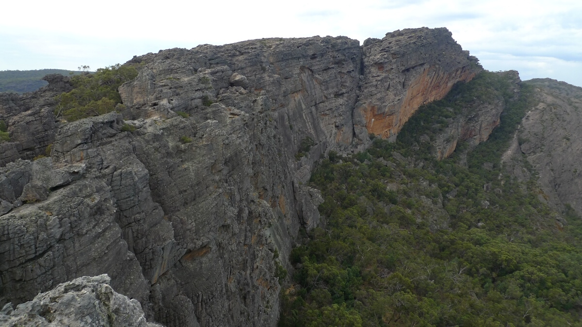 10-grampians-hollow-mountain-view-of-mt-stapylton