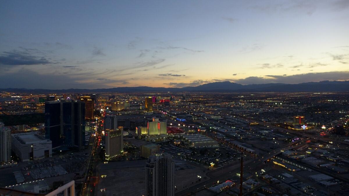 06-Las_Vegas-Lighting_up