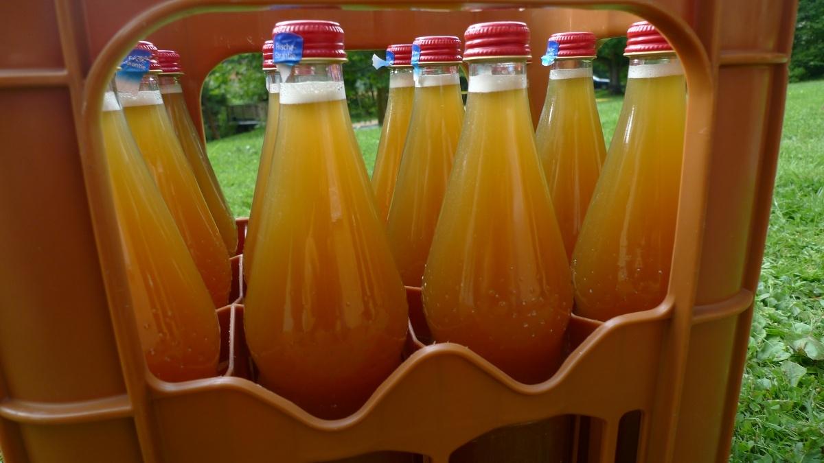 12-fresh-apple-juice