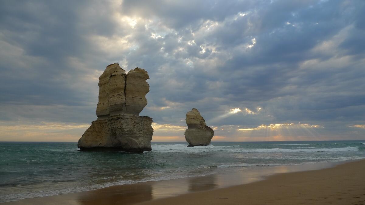01-twelve-apostles-sunset