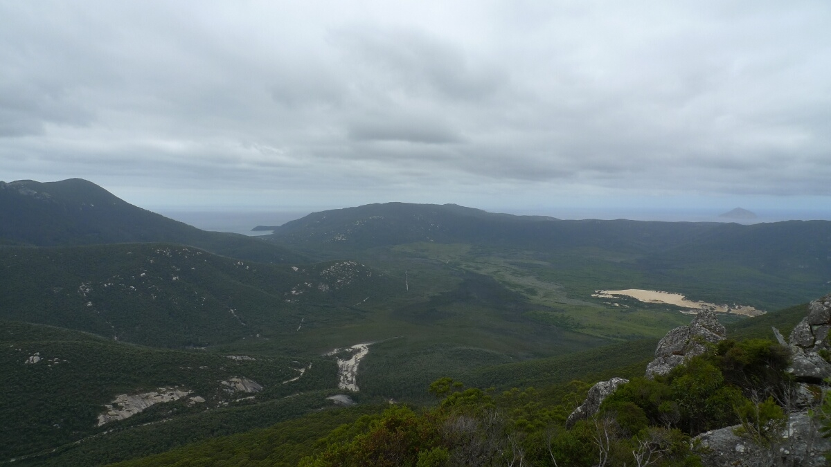 10-wilsons-promontory-mt-oberon-view-of-refuge-cove