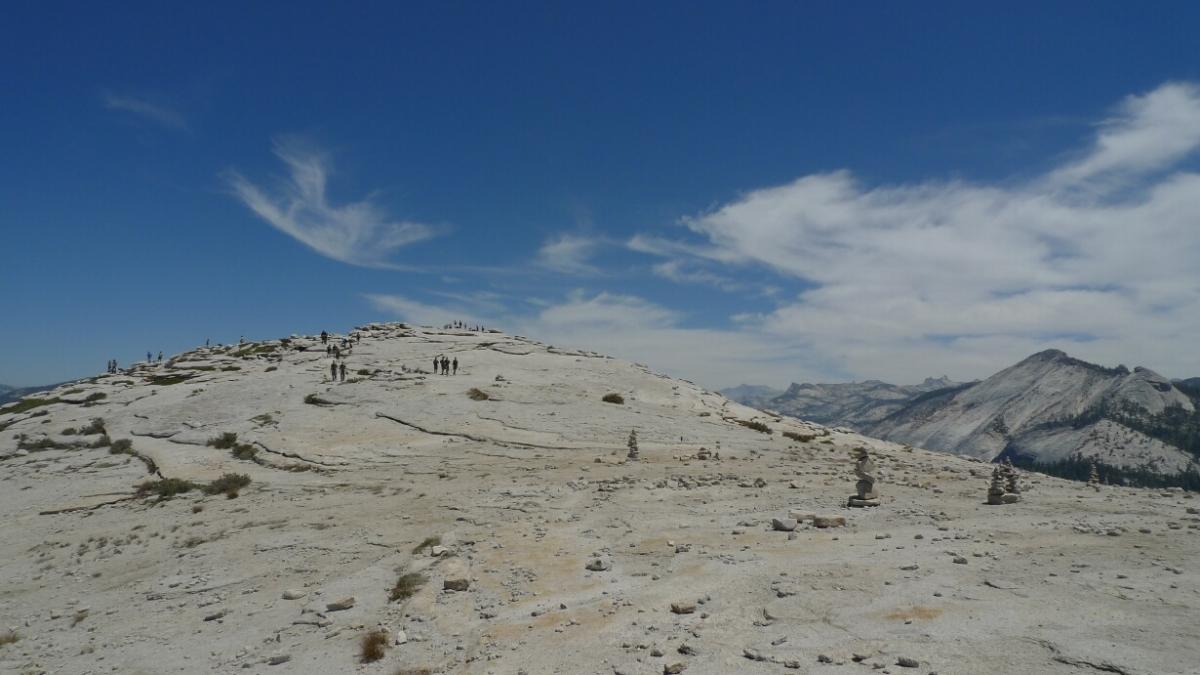 10-yosemite-half-dome-top-moon-landscape